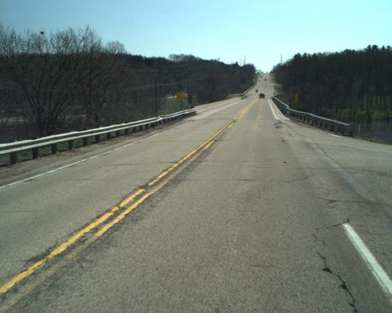 image of existing US 14 bridge over Rock River