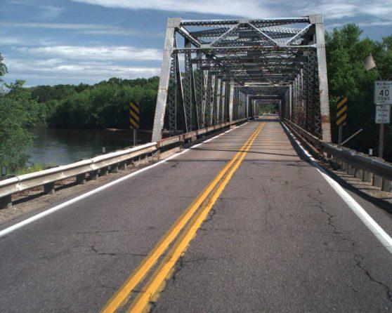 image of existing WIS 130 bridge over Wisconsin River